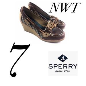NWT Sz 7 Sperry Leather Wedge Boat Shoes